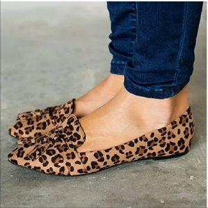 Shoes - RESTOCK Leopard print pointed toe tassel flats